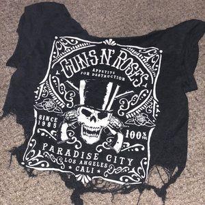 Super distressed guns and roses t shirt